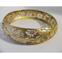 Gold forged bracelet Chrysanthemum